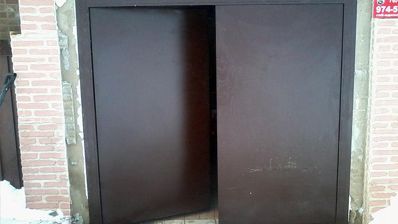 металлические ворота для гаража распашные